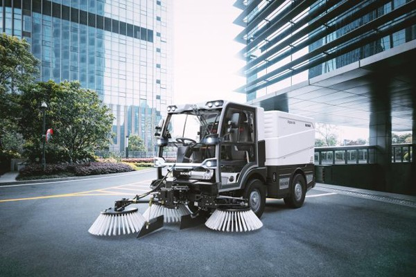 V20 Diesel compact public area sweeper